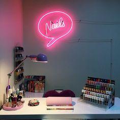 Home Nail Salon, Nail Salon Design, Salon Interior Design, Beauty Room Salon, Beauty Room Decor, Nail Station, Beauty Nail, Salon Signs, Nail Room