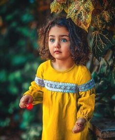 Image may contain: 1 person, standing, child and text Cute Little Baby Girl, Beautiful Baby Girl, Beautiful Moon, Cute Baby Girl Wallpaper, Cute Babies Photography, Photography Poses, Cute Baby Girl Pictures, Mode Abaya, Indian Baby