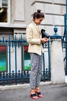 leopard-print-outfit-the-sartorialist  More on my blog Lionsandwolves.com #lionsandwolves #fashionblog #streetstyle #leopardprint #animalprint #thesartorialist