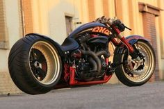 """Fat Attack AG Harley Davidson """"The ONE"""" - Street Legal Harley On Steroids! Fat Attack AG is a Swiss-based custom bike maker and he menaged to turn a Harley Motos Harley Davidson, Harley Davidson Custom, Custom Choppers, Custom Harleys, Custom Bikes, Custom Baggers, Custom Cars, Custom Cycles, Super Bikes"""