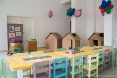 Juliana S's Birthday / Three Little Pigs - Photo Gallery at Catch My Party Pig Birthday, Third Birthday, 3rd Birthday Parties, Pig Party, Three Little Pigs, Birthday Decorations, Toddler Bed, Kids Rugs, Home Decor