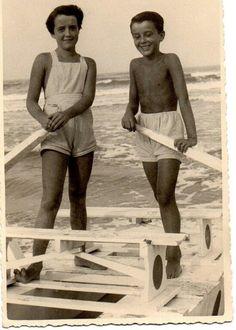 Due fratellini 1952