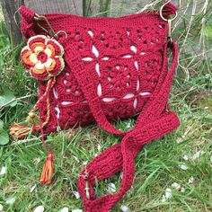 It's my pleasure to present to you this beautifully hand crafted Crochet messenger bag in Dark red colour.It's made in lace granny square pattern and in fully lined with polyester lining in beige. Buy now@  https://www.etsy.com/uk/shop/LoveLoopsCrochetArt