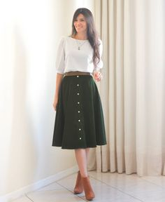 If you need calm, try out tucking mini skirt in a One. Modest Dresses, Modest Outfits, Modest Fashion, Hijab Fashion, Casual Outfits, Fashion Outfits, Midi Skirt Outfit, Skirt Outfits, Dress Skirt