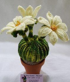 Crochet Cactus Free Pattern, Crochet Flower Tutorial, Crochet Flower Patterns, Crochet Designs, Yarn Projects, Crochet Projects, Crochet Bouquet, Knitted Flowers, Beading Patterns Free
