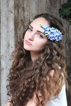 Wedding headband. hydrangea flowers . blue by FloraAkkerman
