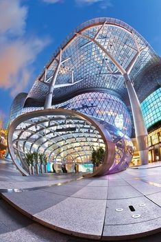 Ion Mall, Singapore... don't you just love people who use wide angle lenses to distort the image..