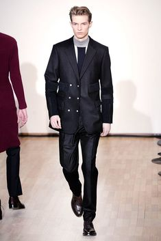 Raf Simons Fall 2010 Menswear Collection - Vogue