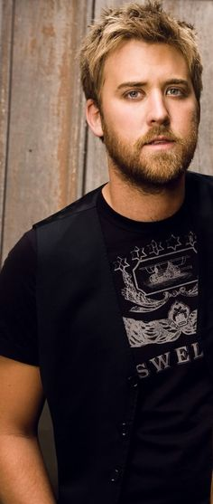 LADY ANTEBELLUM - Charles Kelley  - So good lookin!