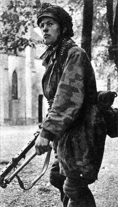 Fallschirmjager Rgt 3 in Drvar 1944 during the Operation Rösselsprung (Knight's move)(the raid on Tito by the 500th SS Fallschirmjager battalion)