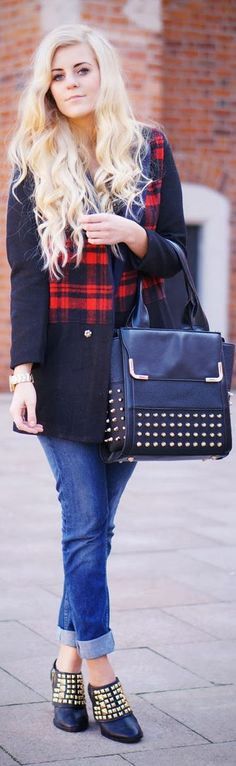 #Plaid #Coat And #Boyfriend #Pants.. The purse and the boots...love