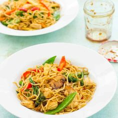 This Easy Homemade Chicken Stir Fry ticks all the boxes – it's quick, easy, healthy and, of course DELICIOUS! It can be on your table in just 15 minutes and is made using my Homemade Stir Fry Sauce. Pork Stir Fry, Quick Stir Fry, Chicken Stir Fry, Sticky Chicken, Homemade Stir Fry Sauce, Vegan Lentil Soup, Chickpea Curry, Grilled Watermelon, Biryani