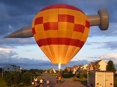 Team NAILED! Special Shape Nail Hot Air Balloon, Pennsylvania/photo by Mike Shipley