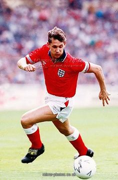 Gary Lineker of England in England National, Picture Gifts, England Football, Vintage Football, Best Player, Football Soccer, World Cup, Running, Sports