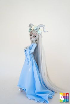 Ptelea comes with: A compete face up Rerooted with premium nylon hair She is wearing a beautifully made outfit with a horned head dress A pair of shoes Monster High Doll, Ghoulia, has been custom repainted by me. Her original face has been removed carefully. Her new face has been