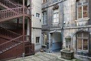 Cour intérieure et escalier - Grande Rue - Besançon