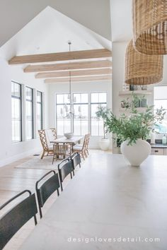 Modern Cottage Style, Modern Farmhouse, French Farmhouse, Dining Room Inspiration, Living Room Decor, Living Rooms, Spring Home, House 2, Dream Decor