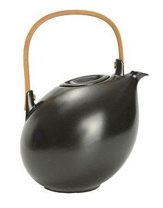 Soholm Atelier Vintage 1950s Danish Scandinavian Pottery Teapot. Balanced, biomorphic, beautiful.