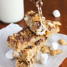 Soft and chewy granola bars studded with mini teddy grahams, marshmallows, and mini chocolate chips.