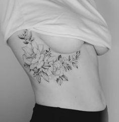 Piercing And Tattoos For Girls I Want Best Ideas Feminine Tattoos, Unique Tattoos, Beautiful Tattoos, Small Tattoos, Inner Forearm Tattoo, Back Tattoo, Ivy Tattoo, Tattoo Ribs, Side Tattoos