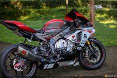 Siêu sao tốc độ Yamaha R1 đẳng cấp trong bản độ cực khủng   Show xe - 2banh.vn