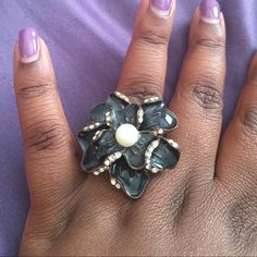Flower ring ⚫️ Black and rhinestone flower ring with pearl center in expandable setting Jewelry Rings