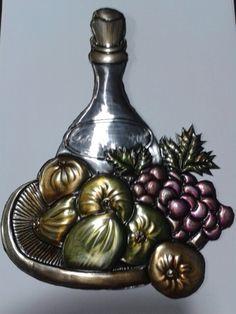 Aluminum Foil Crafts, Metal Crafts, Pewter Art, Pewter Metal, Bottle Painting, Bottle Art, Emboss Painting, Soda Can Art, Cultural Crafts