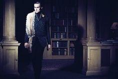 Douglas Booth fashion: Faux-fox stole
