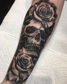 Skulls and roses are always funnnnn #undertheguntattoo #tattoo #art #hollywood #losangeles #california
