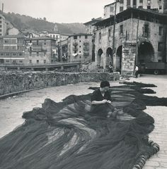 Mujer arreglando las redes. Motrico (Guipúzcoa)Fickr ¡Para compartir fotos!