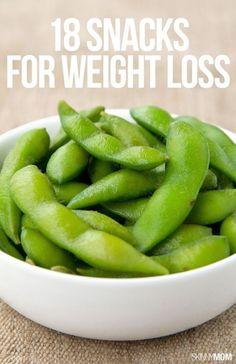 Healthy Weight 18 healthy snacks to help you lose weight! - Trying to Lose Weight? Here are 18 Snacks That Will Help Snacks Diy, Smart Snacks, Healthy Foods To Eat, Get Healthy, Healthy Habits, Eating Healthy, Healthy Nutrition, Clean Eating, Nutrition Month