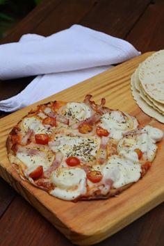 Arco-íris na Cozinha: Pizza de Bacon e Mozzarella (base de wrap)