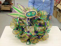 DIY Mardi Gras wreath!