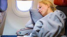 #Avion : voilà pourquoi il ne faut jamais dormir au décollage... ni à l'atterrissage ! - Ohmymag: Ohmymag Avion : voilà pourquoi il ne faut…