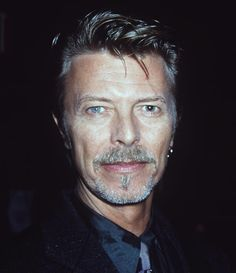 1000 images about david bowie on pinterest david bowie labyrinths and david. Black Bedroom Furniture Sets. Home Design Ideas