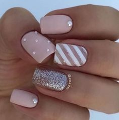 37 Spring Elegant Sqaure Matte Nails Design Ideas Matte nails are easy to polish, you don't have to be an artist or do complex designs to make beautiful nail art. 37 Spring Elegant Sqaure Matte Nails that you need to see. Square Acrylic Nails, Square Nails, Acrylic Nail Designs, Feather Nail Designs, Feather Design, Rose Gold Nails, Pink Nails, Gel Nails, Coffin Nails