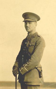 Gods and Foolish Grandeur: A belated remembrance of Veterans Day: Wilfred Owen, Anthem for Doomed Youth, 1917