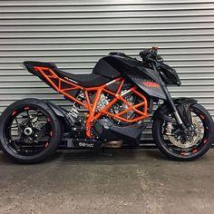 – Top Motorrad And Wallpaper Motorcycle Wheels, Moto Bike, Motorcycle Outfit, Ktm Motorcycles, Custom Motorcycles, Custom Bikes, Ktm Super Duke, Ktm 690, Duke Bike