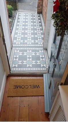 Transforming a tired garden path - Modern Front Garden Path, Front Path, Garden Paths, Victorian Front Garden, Victorian Terrace, Tiled Hallway, Hallway Flooring, Terrace House Exterior, Victorian Tiles
