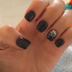 new years nails dip powder - new years nails ; new years nails acrylic ; new years nails gel ; new years nails glitter ; new years nails dip powder ; new years nails design ; new years nails short ; new years nails coffin New Year's Nails, Fun Nails, Pretty Nails, Hair And Nails, Short Gel Nails, Black Nails Short, Gel Nagel Design, Gel Nail Art Designs, Dipped Nails