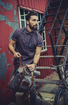 80 Awesome Inspirations Men Short Beard and Mustache Style that You Must Try - Fashion Best Look Street Style, Street Styles, Stylish Men, Men Casual, Casual Wear, Estilo Hipster, Mode Man, Mustache Styles, Moda Blog
