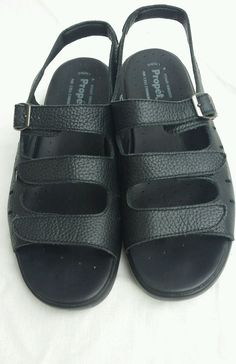 Womens comfort shoes size 13