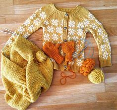 I love all the pumpkiny and autumnal colours, and the snowflake cardigan, just so beautiful.