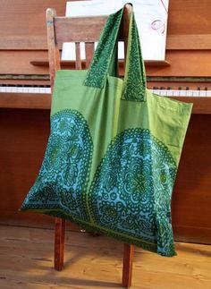 Kunnollinen kauppakassi | Tämä on KOTO - Tervetuloa kotoilemaan! | kotoliving.fi Tote Bag, Bags, Fashion, Handbags, Moda, Fashion Styles, Tote Bags, Totes, Lv Bags