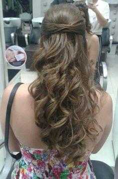 Alpha Hair Goiânia #hair #penteado #casamento #hairstyling #alphaville goiânia #formatura #cachos #madrinha #alpha mall #salão #styling #@alphahairgoiania #insta #