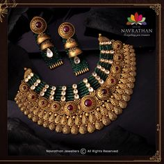 Don't Miss These Royal Looking Necklace Designs!! • South India Jewels Indian Gold Jewellery Design, Antique Jewellery Designs, Jewelry Design, Temple Jewellery, Necklace Designs, Jewelry Stores, Bridal Jewelry, Jewelry Collection, Royal Princess