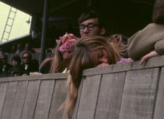"""Monterey Pop Festival, """"If you're going to San Francisco, be sure to wear some flowers in your hair"""". Beach Hippie, Hippie Vibes, Hippie Culture, Pop Culture, Monterey Pop Festival, 70s Aesthetic, California Surf, Dazed And Confused, Retro Pop"""