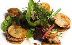 Cómo hacer Mollejas de ternera con patatas asadas y ensalada | Demos la vuelta al día