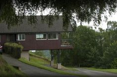 in Drumnadrochit, GB. Providing stunning panoramic views of Loch Ness, Drumnadrochit and Glenurquhart, these exceptional lodges each have a patio or balcony for extra space to relax whilst taking in the breathtaking scenery. With spacious and inviting surroundings, all...