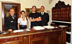 Met het personeel van Hotel Priuili in Venetie
